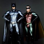 """¡Síganlo! 👍🏻 Reposted from @alejocabeza 🤔? . Batman y Robin . Ejercicio y Dieta . ¿Quién es quién en la pérdida de peso? . """"La dieta y el ejercicio se han estado prescribiendo como tratamientos para la obesidad como si fueran igualmente importantes. Pero no son socios al 50%. La dieta es Batman y el ejercicio es Robin. La dieta hace el 95% del trabajo; así que, lógicamente, sería razonable centrarse en ella"""". . Analogía: . """"¿Qué ocurriría si tuviésemos que hacer un examen cuyo contenido fuesen, en un 95%, las matemáticas, y en un 5% la ortografía? ¿Pasaríamos el 50% del tiempo estudiando ortografía? . . No es de extrañar que en la asignatura Obesidad, año tras año, saquemos un suspenso bien <<gordo>> a nivel mundial si seguimos estudiando con los apuntes de 1977.Fuente: El código de la Obesidad. Dr. Fung . Estudio: Changes in weight, waist circumference and compensatory responses with different doses of exercise among sedentary, overweight postmenopausal women.Randomized controlled trialChurch TS, et al. PLoS One. 2009. . . #coherenciagenetica #saluddelorigen #homeostasis #epigenetica #meditación #descanso #movimiento #entrenodefuerza #autodirección #saludfisica #saludmental #saludmitocondrial #psicologiaevolucionista #alimentacion #lowcarb #lowinsulin #paleo #bepaleo #keto #dietacetogenica #dietaoriginal #humanevolution #sapiens"""