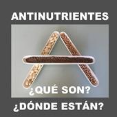 Reposted from @atopedevida LOS ANTINUTRIENTES son sustancias que dificultan la absorción de nutrientes.ESTÁN EN LAS PLANTAS, sobre todo en cereales, legumbres y semillas, y SON UN MECANISMO DE DEFENSA para que NO sean comidas por los animales o plagas.LOS MÁS COMUNES SON.LECTINAS: (en cereales y legumbres). SON PROTEÍNAS que se unen a los carbohidratos. Se unen a las vellosidades del intestino, lo que EVITA LA ABSORCIÓN DE NUTRIENTES Y PUEDE PROVOCAR ALTERACIONES EN LA MICROBIOTA.Esto puede dar lugar a una INFLAMACIÓN DE LA MUCOSA INTESTINAL.Y esto, a su vez, hace que ciertas lectinas se cuelen tras la barrera intestinal y PASEN A LA SANGRE.Y aquí es donde está el problema, porque AUMENTA EL RIESGO DE ENFERMEDADES AUTOINMUNES como artritis reumatoide, psoriasis, lupus, vitíligo…OXALATOS (OXALATO CÁLCICO): EVITAN QUE TU CUERPO ABSORBA EL CALCIO, y hierro, zinc y magnesio. Están en vegetales de hoja verde como las espinacas, que paradójicamente son fuente de calcio. Además, forman cristales de ácido oxálico que pueden crear cálculos renales.FITATOS (ÁCIDO FÍTICO): SECUESTRAN MINERALES. Evitan que se absorba el calcio, el magnesio, el hierro, el cobre y el zinc. Por otro lado son antioxidantes (bueno). Están en semillas, frutos secos y legumbres.TANINOS (ÁCIDO TÁNICO): SON POLIFENOLES que dificultan la digestión y la absorción de nutrientes como las proteínas o el hierro, y dificultan la digestión. El lado positivo es su poder antioxidante. Ej.: son las uvas, ricas en resveratrol.CONSEJOS PARA MINIMIZAR LOS ANTINUTRIENTES. . .✅PON LAS LEGUMBRES EN REMOJO: El remojo y la cocción hace que los antinutrientes se descompongan y desaparezcan. . .✅AUMENTA EL CONSUMO DE VITAMINA C, y así favoreces la absorción de nutrientes, a pesar de la presencia de antinutrientes en estos. . .✅LAS ALMENDRAS CRUDAS, DÉJALAS REMOJAR 24 h antes de consumirlas para disminuir las lectinas. . EN UNA DIETA CETOGÉNICA no hay cereales ni apenas legumbres, así que se reducen mucho los antinutrientes.